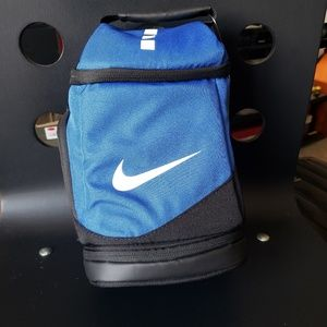 Nike elite insulated lunch bag